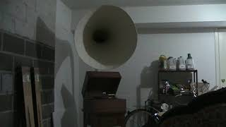 The Fifth handmade Gramophone Plays Louis Armstrong: Knockin' Jug