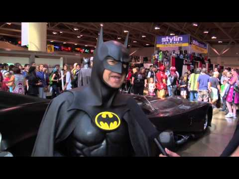 Fan Expo 2013 - Comics - Batman (& 1989 Batmobile)