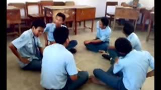 Belajar Tari Kecak (XI TEI 2 SMKN 2 BOJONEGORO)