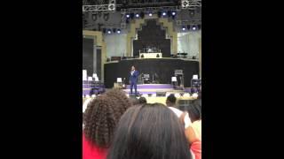 Elton Mduduzi telling jokes at the Joyous 20 live recording