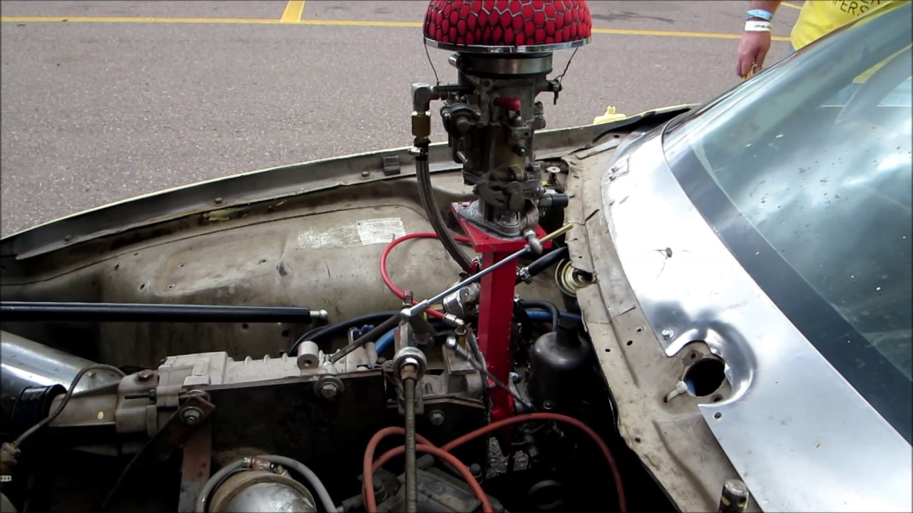 Throttle linkage on supercharged 1978 AMC Pacer with GAZ-69