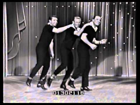 Gene kelly , Dick Humphries , Alex Plasschaert The Hollywood Palace