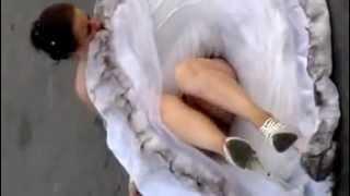 Пьяная невеста сбежала со свадьбы