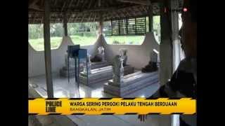vuclip Astagfirullah!! Sepasang PNS Sekolah SD Kepergok Mesum di Kuburan - Police Line 11/08