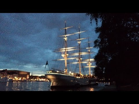 Stockholm at Night - photos with piano music
