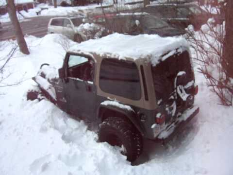 jeep 2ft of snow awesome youtube. Black Bedroom Furniture Sets. Home Design Ideas