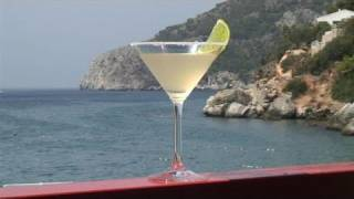 How To Prepare Gold Margarita Cocktail