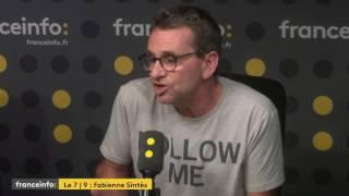 Avaler une guêpe en plein discours : un défi pour le président Macron