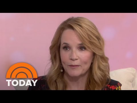 Lea Thompson Turns Director With 'Year Of Spectacular Men'   TODAY