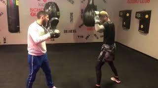 Kırgın çiçekler başrol oyucusu mehmet aykaç boks antrenmani Kadiköyboks spor kulübü arda tamer avcı