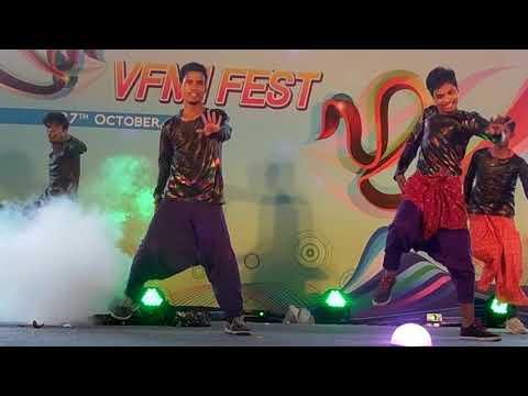 Chennai Express Lungi dance & tamil mix