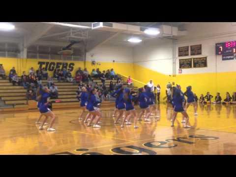 Harpeth Middle School Cheerleaders