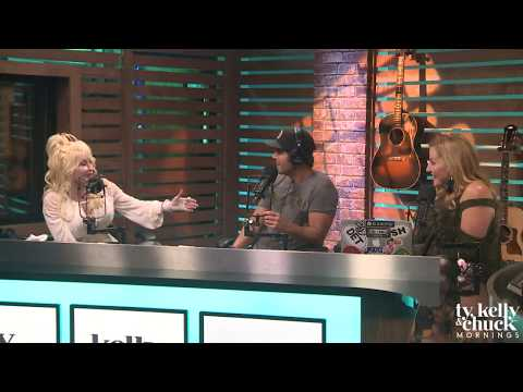 Dolly Parton Has Never Seen Sia's Face, Even After Working with Her - Ty, Kelly & Chuck