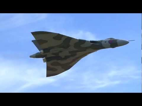Vulcan Bomber Awesome Sound !!!