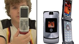Why I Bought A Flip Phone In 2017 - Unboxing a 2004 Motorola Razr