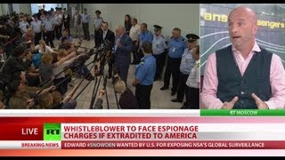 Media frenzy at Moscow airport on Snowden exit reports