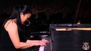 Emi Kagawa playing Song from Songs and Dances No. 6 by Federico Mompou