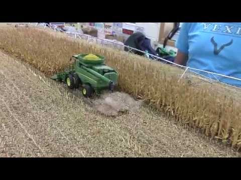 2014 National Farm Toy Show Nebraska Corn Harvest Display