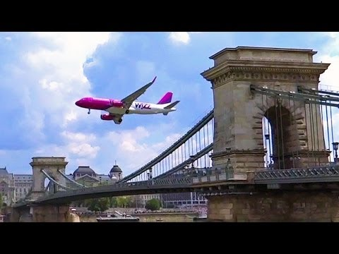 WizzAir Airbus A320-232 low pass over Budapest Chain Bridge and Danube 2014