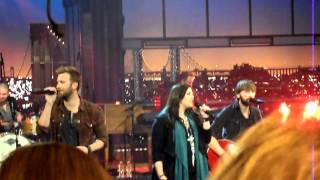 "Lady Antebellum Thanksgiving Performance Pre-Tape 2013 - ""Let It Snow"""