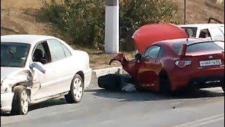 Четыре автомобиля столкнулись в Севастополе у Студенческого городка