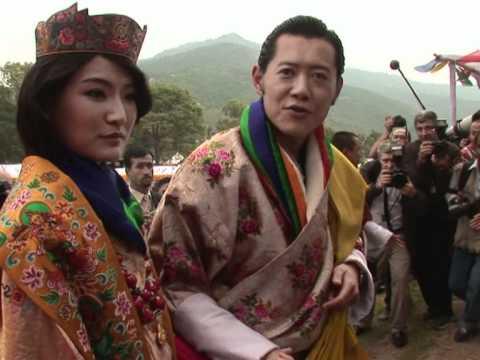 Bhutan king and queen greet well-wishers