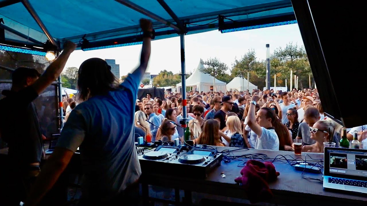 how to get a dj gig at a bar