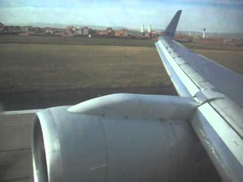 American Airlines Flight 922 Landing In Lapaz, Bolivia