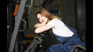 ZAVODчанки #6: Светлана Валиева, водитель погрузчика логистического центра «КАМАЗа»