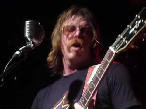 Eagles of Death Metal - Music Bar, Praha 13.3.2009