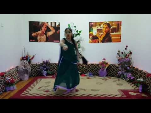 Tumne Agar Pyar Se Dekha # Raja # Mahduri Dixit  ( Esma Devi)