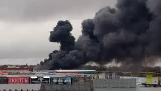 В  Ростове горит рынок