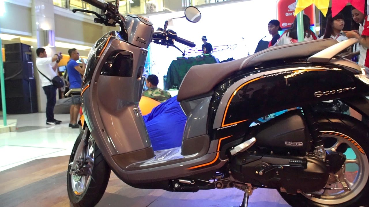 Gambar Motor Scoopy Terbaru Warna Coklat Galeriotto