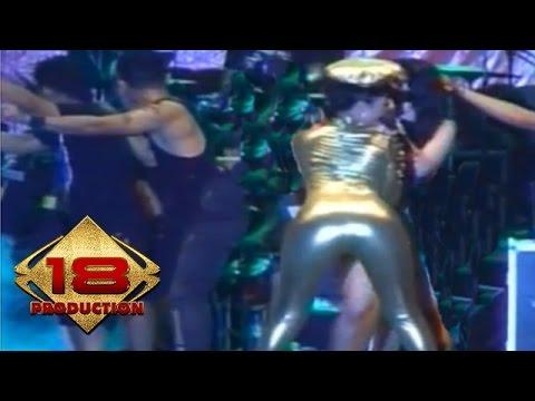 ZASKIA GOTIK - E MASBULOH (LIVE KONSER SUMATERA BARAT 8 FEBRUARI 2014)