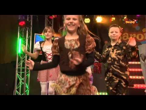 Liedje 13 SiSi girls Sinasfeest