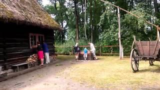 Spacer po Muzeum Wsi Opolskiej w Opolu - folklor portal wiano.eu