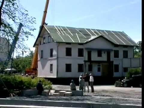 4 kraner flytter stor bolig.
