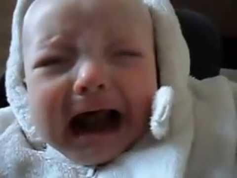 baby cries when mum