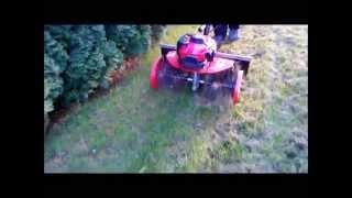Aeracja trawy glebogryzarką Honda