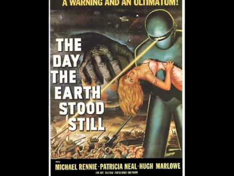COUSIN MICHAEL RENNIE STARS AS KLAATU IN *THE DAY THE EARTH STOOD STOOD STILL*