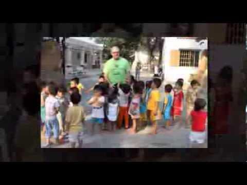 Huynh Tieu Huong - Mr Jim Laverty  đến với Trẻ Cô Nhi Trung Tâm Nhân Đạo Quê Hương