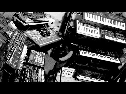 Rory Quigley - Live Funky Techno Jam - All Hardware