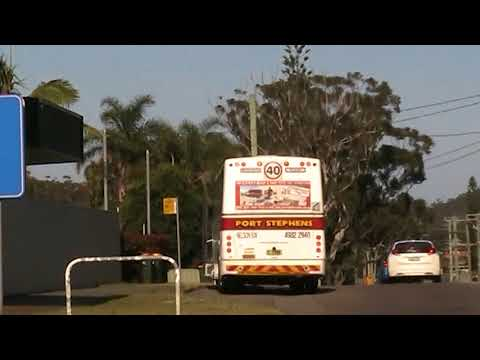 MOV055 Local Bus in Shoal Bay Road Nelson Bay NSW AUS 11-10-2017 (RGC198)