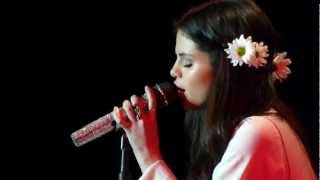 "Selena Gomez sings ""A year without rain"" Acoustic Version @ Best Buy Theater NYC"
