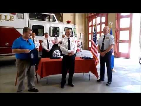 Roseville Fire Department presents life-saving award to good samaritan