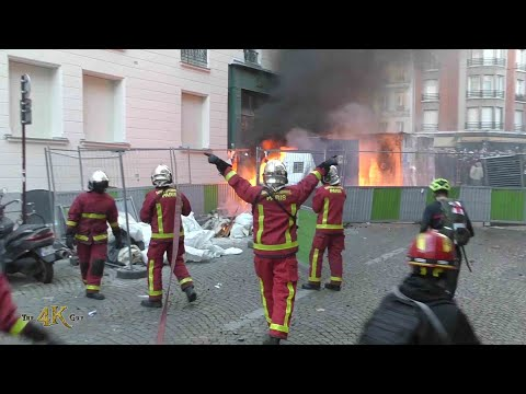 "Paris: Violent riots break out after new law for ""securité globale"" 11-28-2020"