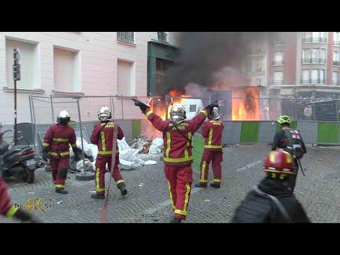 """Paris: Violent riots break out after new law for """"securité globale"""" 11-28-2020"""