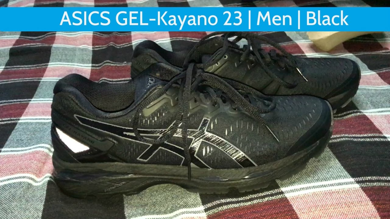 all black asics running shoes