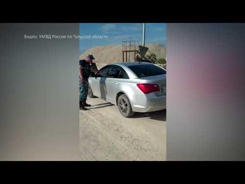 В Тульской области пьяная мать 4 детей, уходя от погони, «прокатила» полицейского на капоте