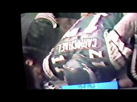 [Highlight]Cowboys DB Dennis Thurman knocks out 6'8 Eagles WR Harold Carmichael and ends his 127 consecutive catch game streak(1980)